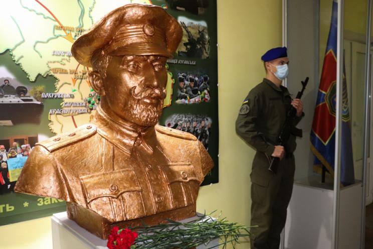 У Харкові відкрили пам'ятник-погруддя по…