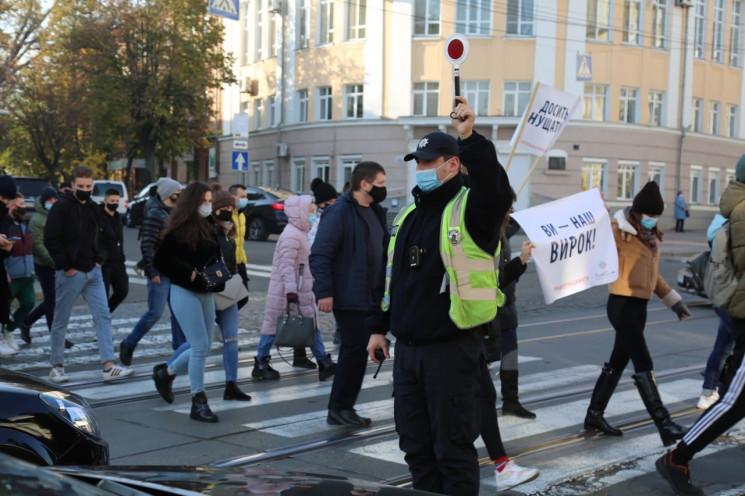 Вінницькі ресторатори влаштували мітинг…