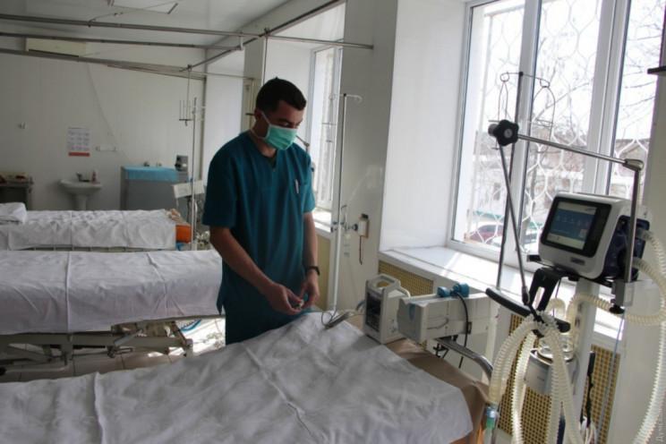 У лікарнях Криму закінчуються вільні ліж…