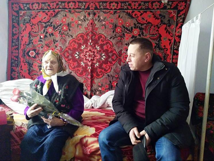 На Хмельниччині 99-річна бабуся на свій…