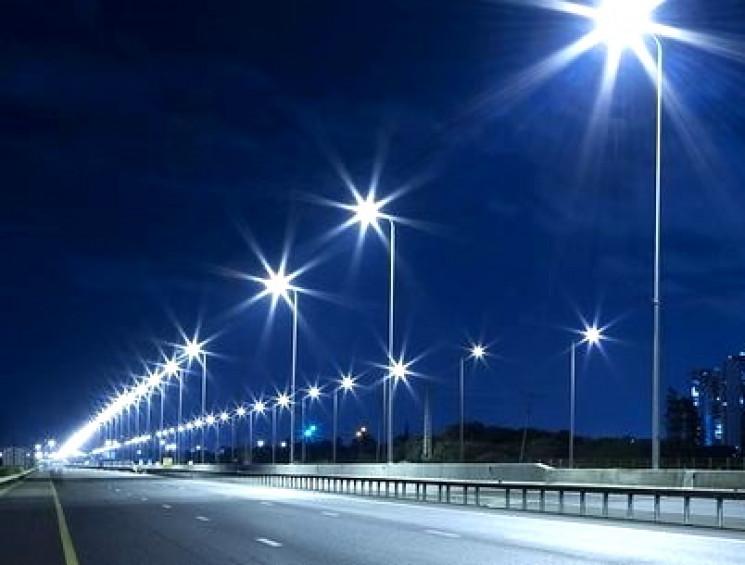 У Тернополі модернізують вуличне освітле…