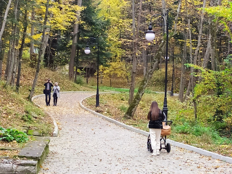 Який вигляд має осінь у курортному Труск…