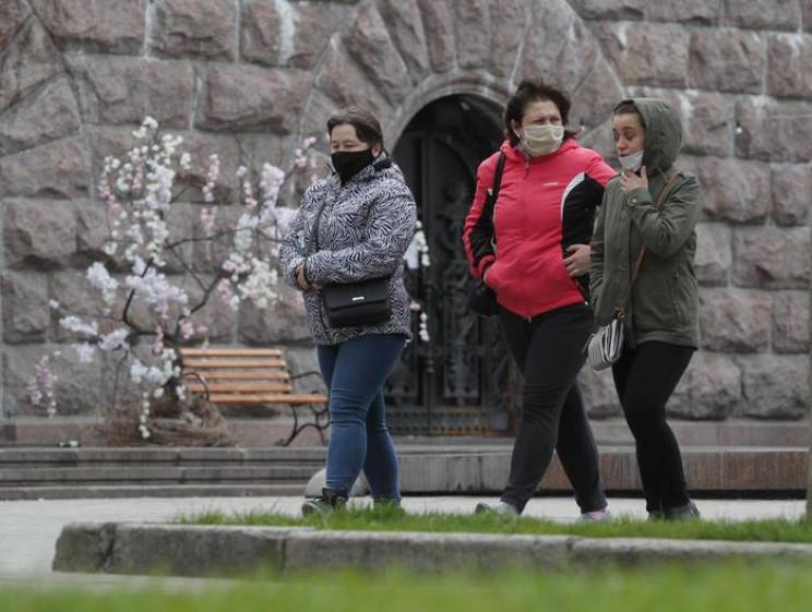 В Україні на коронавірус знову захворіла…