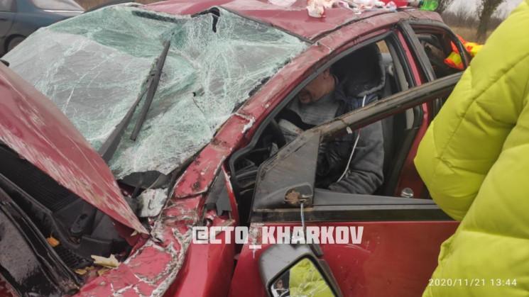 У Харківській області перекинулася машин…