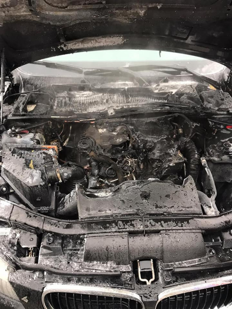 У Рівному згорів автомобіль (ФОТО)…