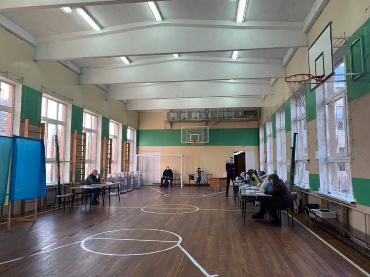 Як у Львові відбувається голосування на…