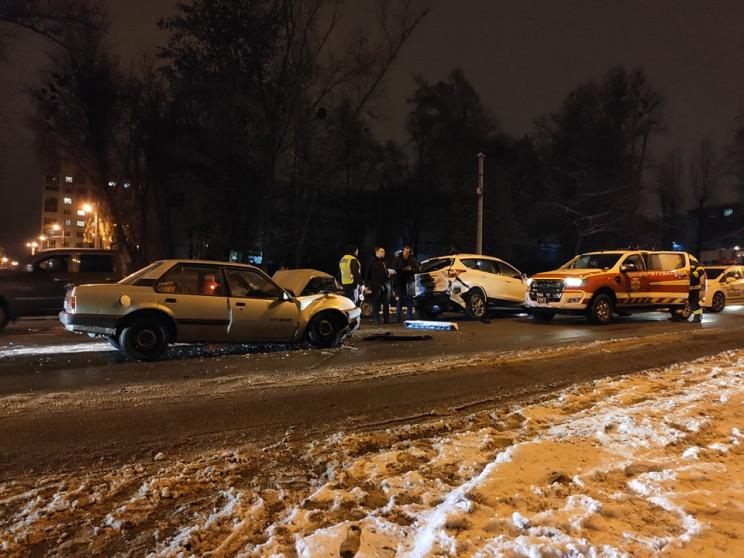 В Харькове произошла тройная авария: На…