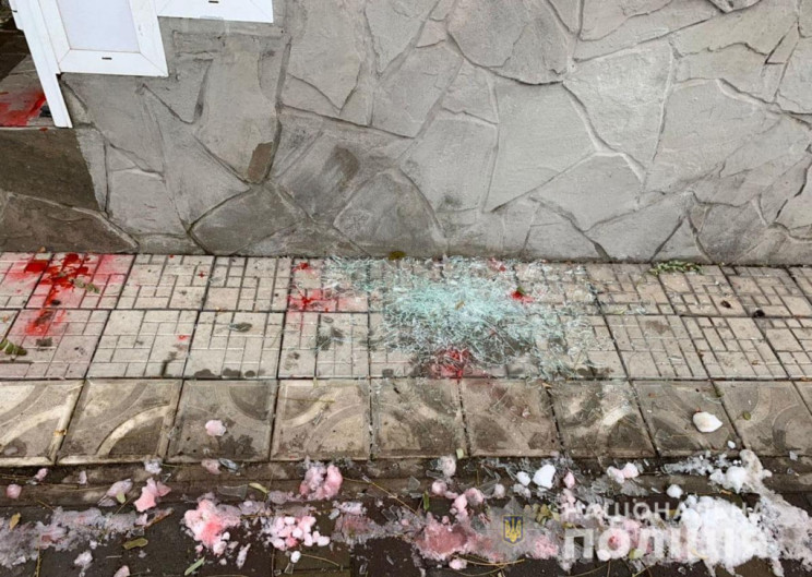 В Мариуполе неизвестные совершили нападе…
