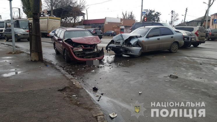 У Харкові внаслідок зіткнення авто постр…