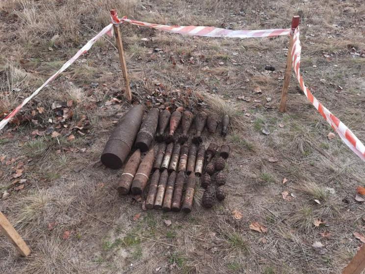 У полі на Харківщині знайшли вибухівку ч…