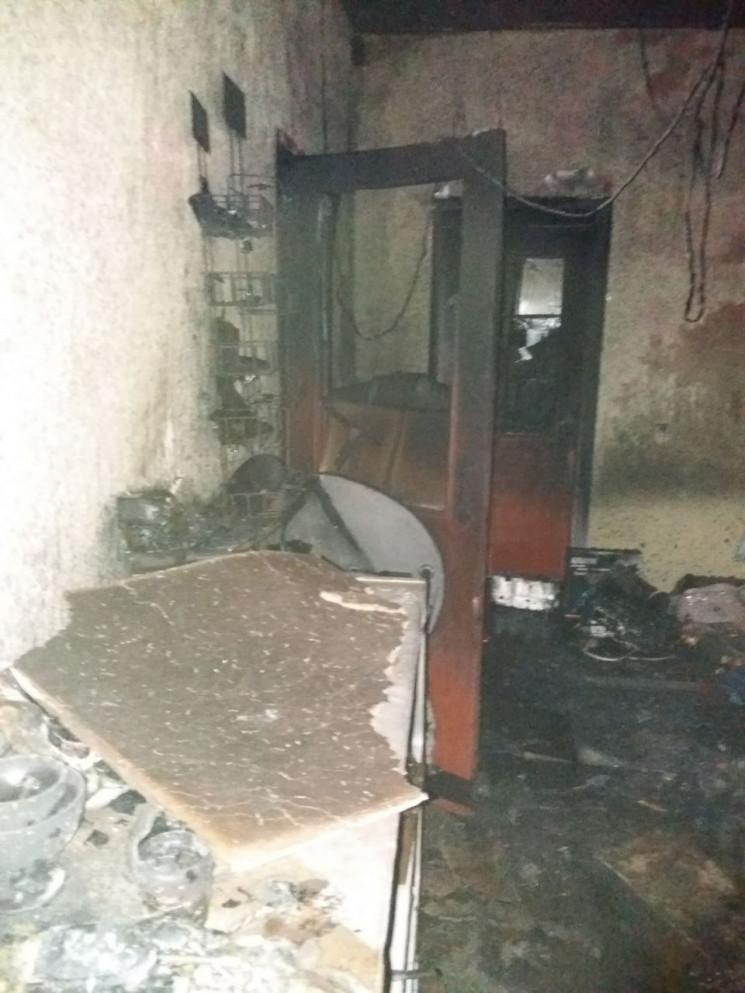 На Одещині пожежа знищила продуктовий ма…
