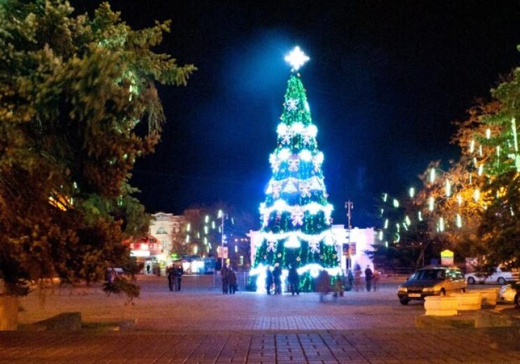 У Севастополі заборонили новорічні святк…