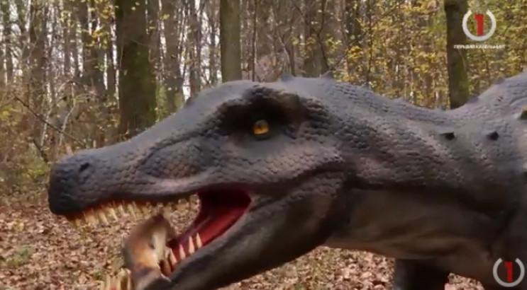 Над унікальним парком динозаврів на Бере…