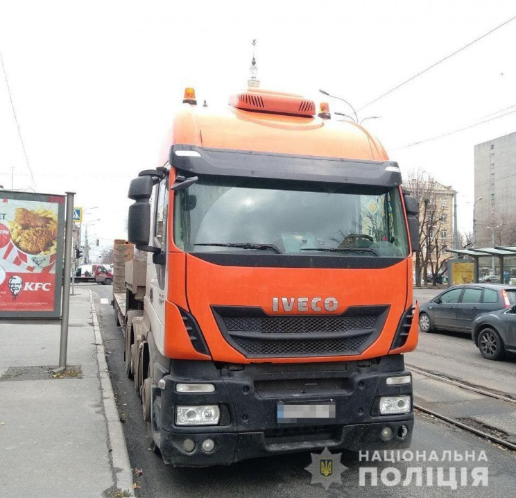 В Харькове грузовик задавил работницу ун…