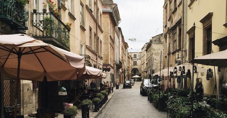 Як у центрі Львова реставрують балкони…