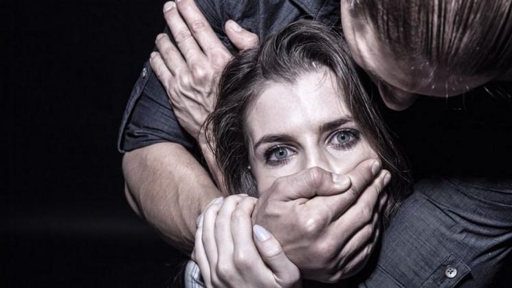 На Волині чоловік зґвалтував 22-річну се…