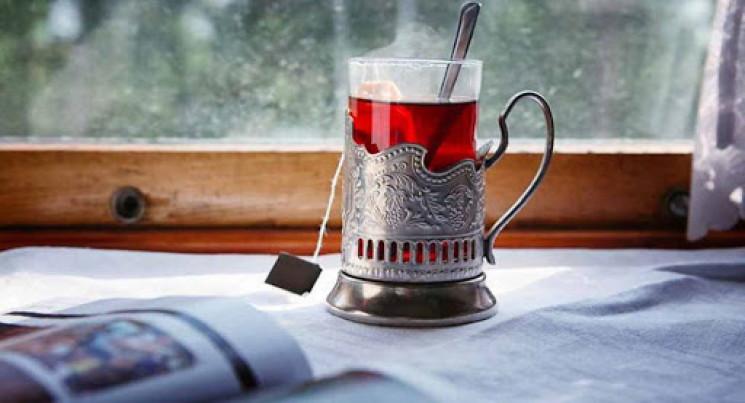 У поїзди повертаються чай та кава…