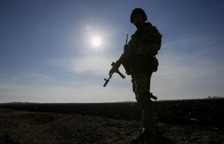 В Донецкой области военнослужащий избил…