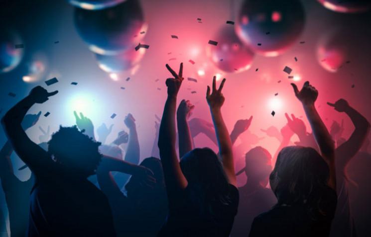 Во Львове ночной клуб закрыли за нарушен…