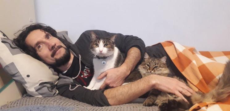 Все ради котов: В Днепре спортсмен посвя…