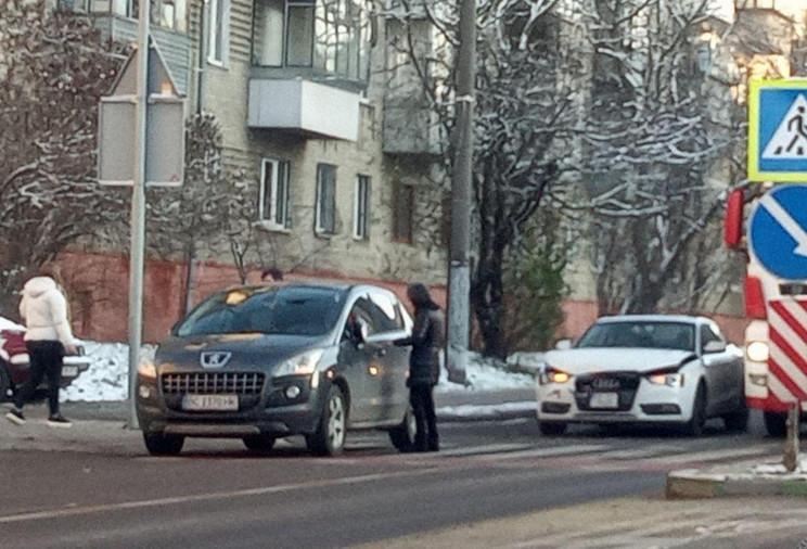 У Львові на смузі для автобусів зіткнули…
