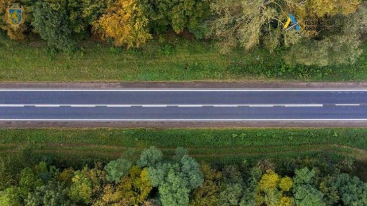 Дорожники завершують ремонт автошляху Ль…