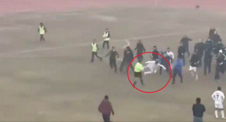 Футбольний матч в Узбекистані закінчився…
