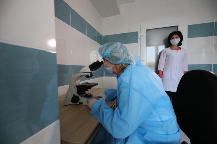 Одну з львівських лікарень повністю відд…