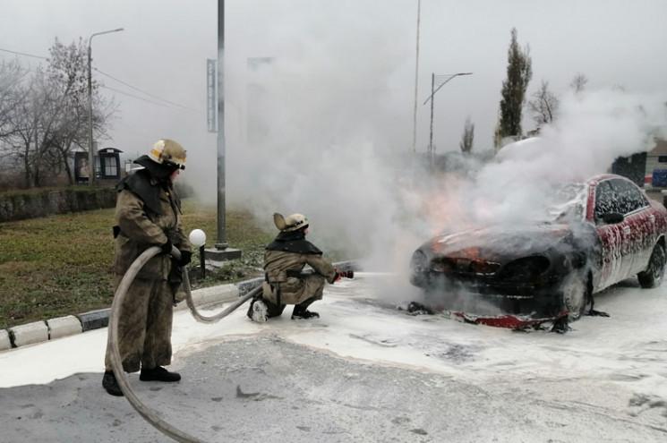 На Дніпропетровщині на АЗС згорів автомо…