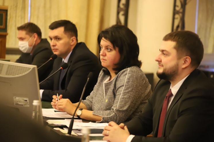 Львівська обласна рада занепокоєна ситуа…