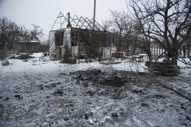 Выходные в ООС: Оккупанты обстреляли дом…