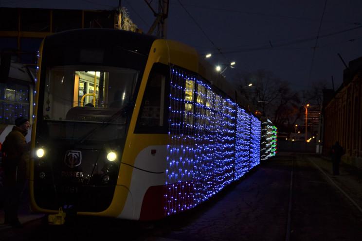Через непогоду традиційний парад трамваї…