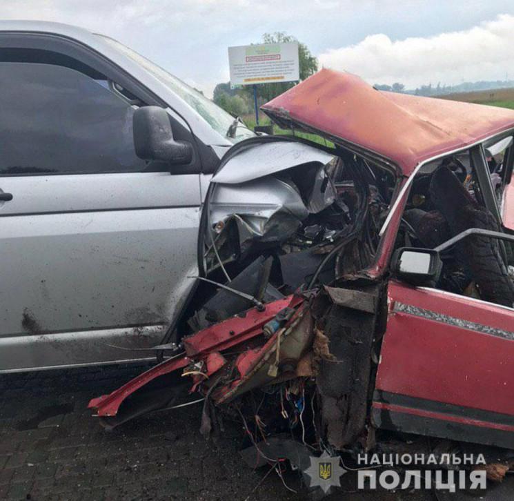 ДТП на Полтавщині: Одну з автівок розірв…