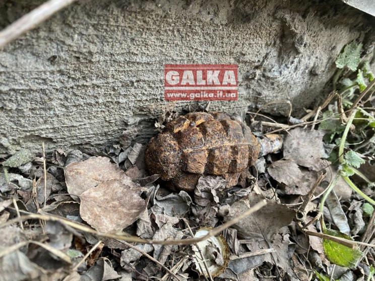 В Івано-Франківську на вулиці знайшли гр…