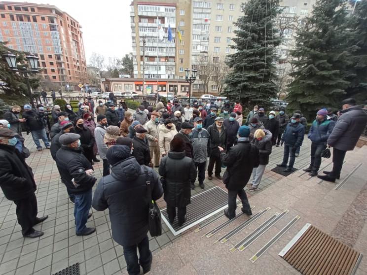 В Івано-Франківську мітингують проти вис…