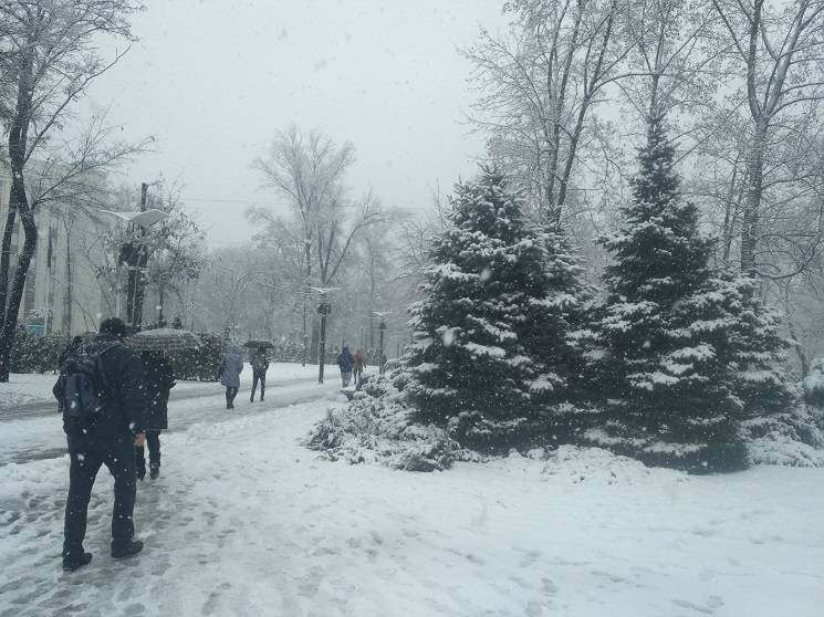 На Дніпропетровщині через снігопад насел…