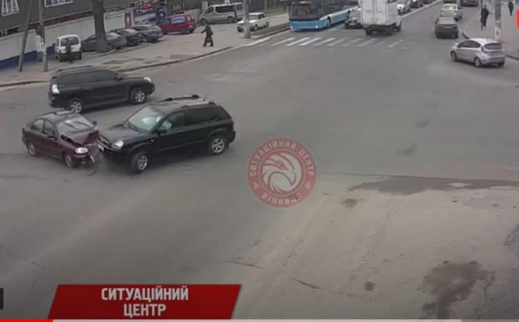 На перехресті вулиціЧехова йНемирівськ…
