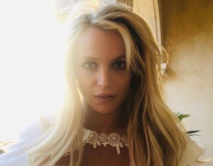 Бритни Спирс показала эротическое фото с…