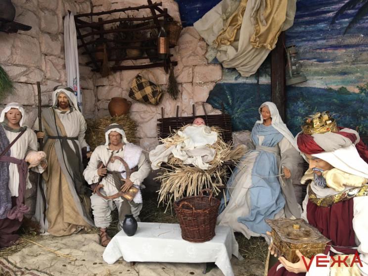 Зниклу з вертепу фігурку Ісуса замінили…