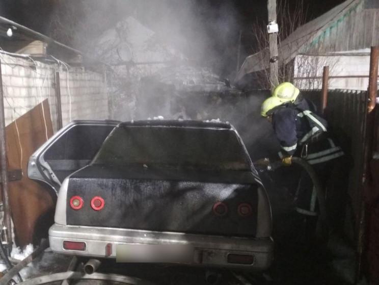 У Запоріжжі ледь не згоріла легкова авті…