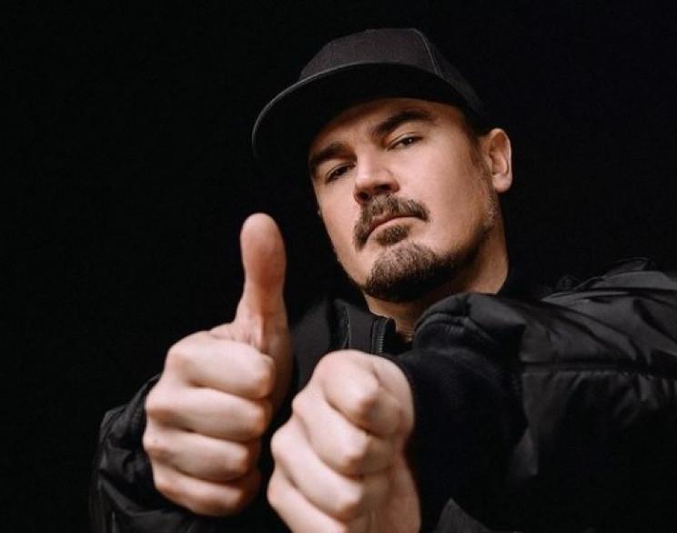 Відомий український музикант знявся голя…