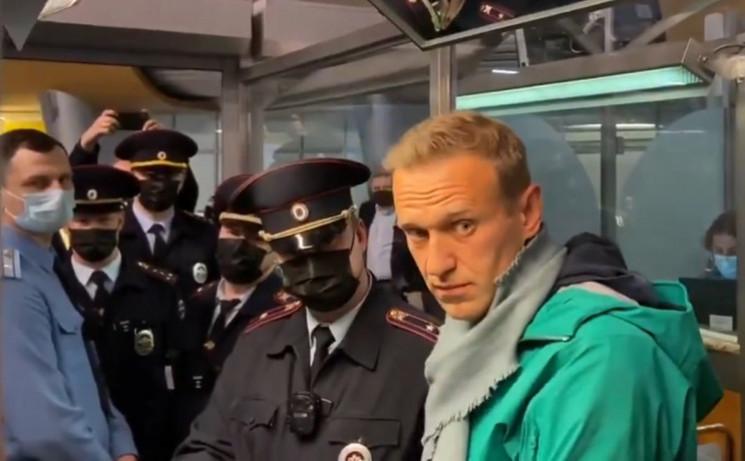 Навальний або переоцінив свої сили і гра…