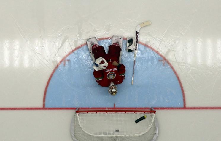 Хокейний удар Лукашенку: Як світ відреаг…