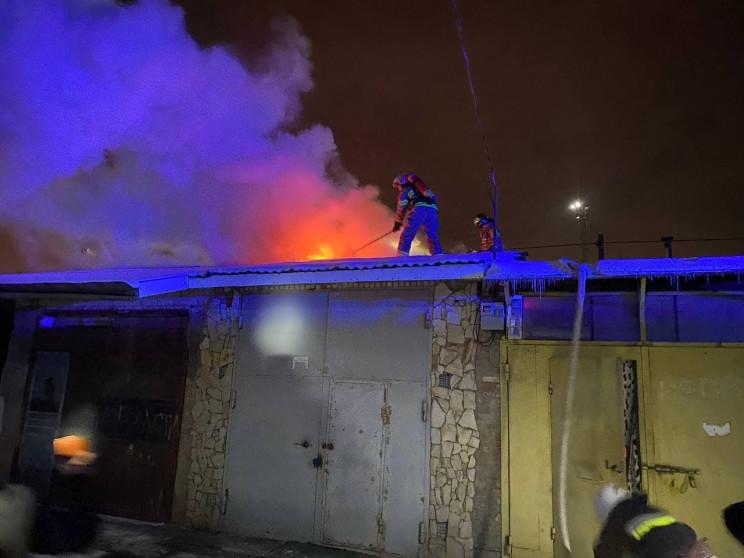 В Ровно горели гаражи (ФОТО)…