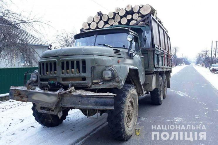 У Тростянці поліція зупинила вантажівку…