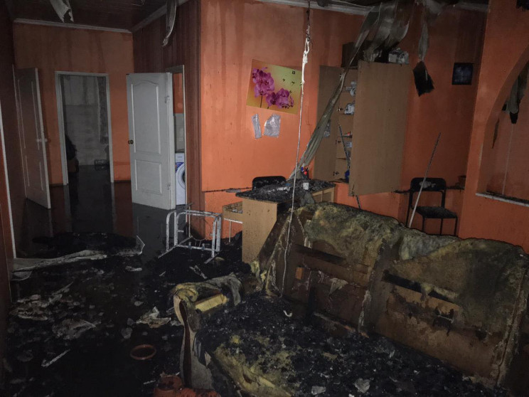 Обгоревшие мебель и черные стены: В Харь…