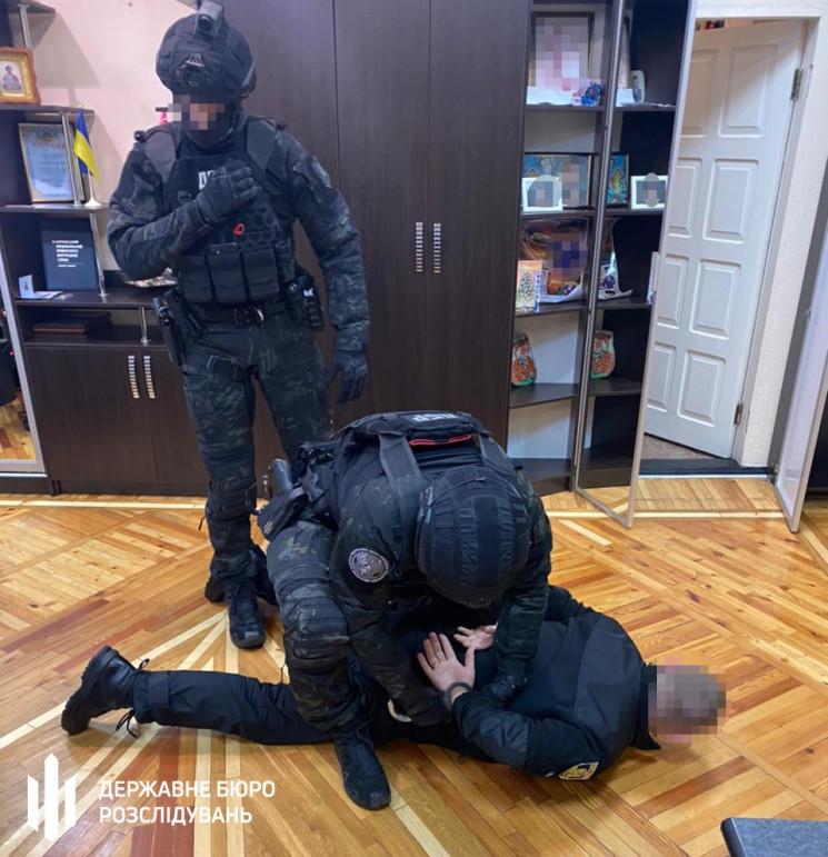 На Харьковщине подполковника полиции схв…