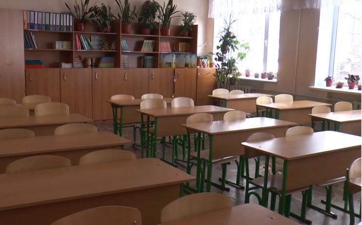 З понеділка школярі Хмельницького сідают…