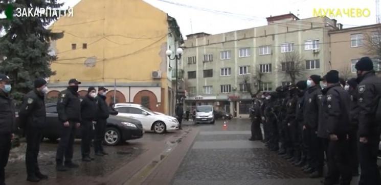 У Мукачеві посилили патрулювання: На вул…