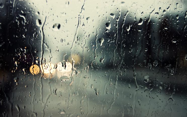 В Днепре всю неделю будут дожди и снегоп…